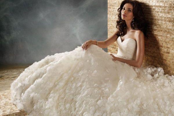 Атласну платьелучшее для нареченої!