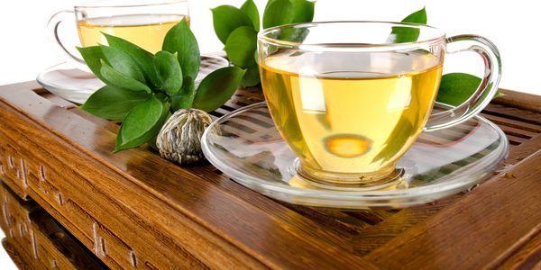 Освіжаючий зелений чай