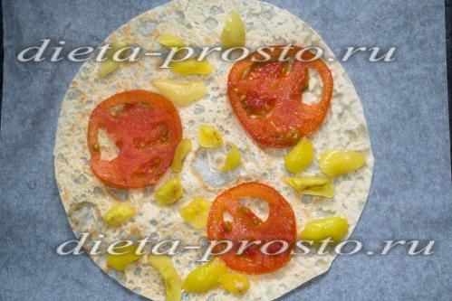 Викласти помідори і перець
