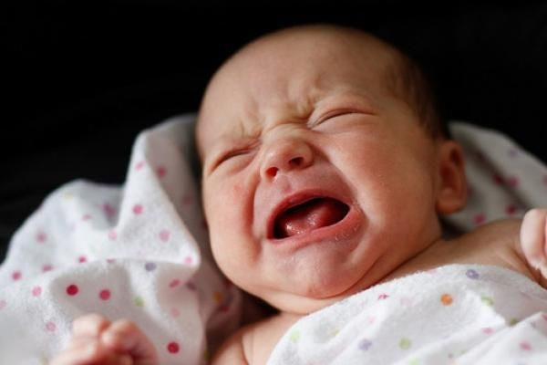 Якщо новонароджена дитина погано спить