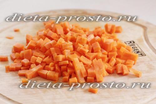 нарізати моркву