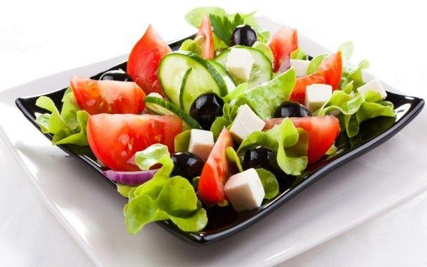 Фото-рецепти приготування незвичайних святкових салатів