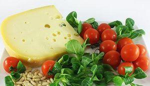 Готуємо легкі салати на день народження: унікальні рецепти