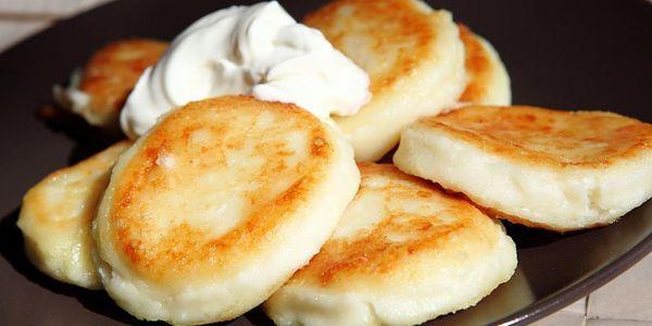 Цікаві рецепти улюблених сирників з сиру