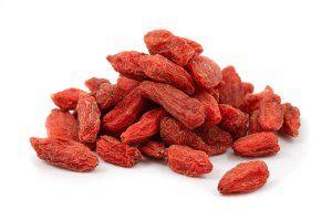 Сушені ягоди годжі легко відрізнити від барбарису за розмірами