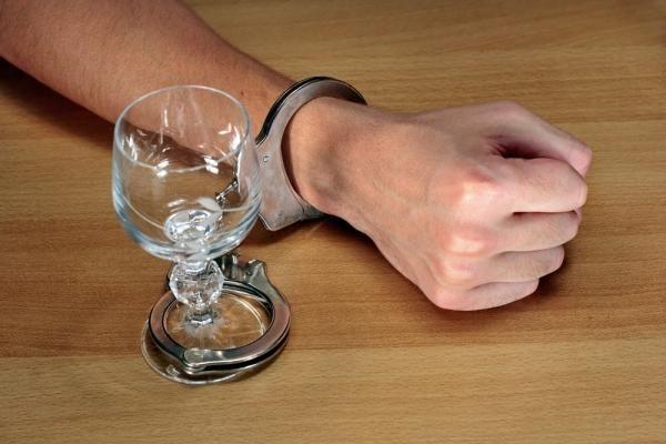 До чого призводить зловживання алкоголем?