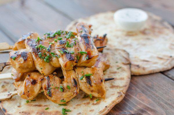 Як швидко і смачно замаринувати курку для шашлику: покрокові рецепти