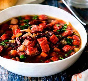 курячий суп з ковбасою