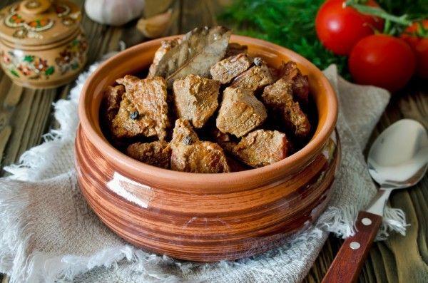 Як приготувати тушковану яловичину в мультиварці: рецепти на вибір