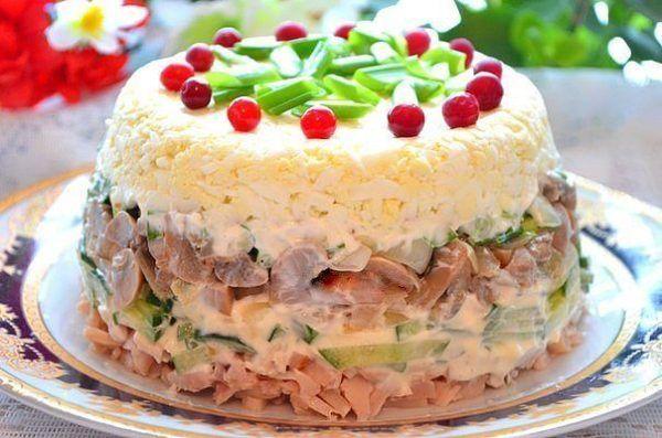 Підбірка рецептів смачних салатів з маринованими грибами