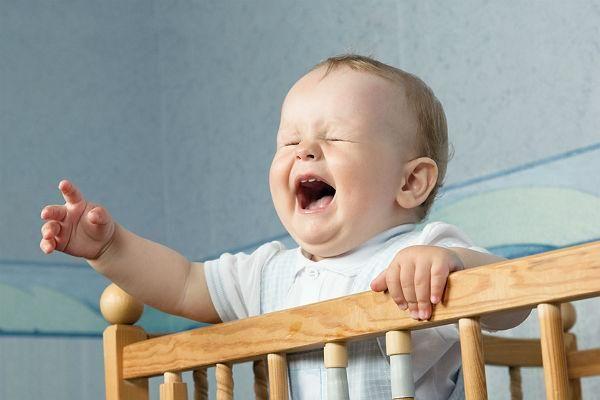 Як заспокоїти дитину при плаче?