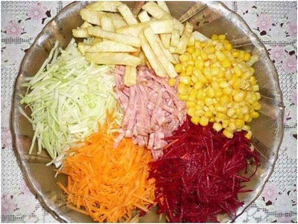 Як смачно і швидко приготувати салат «козел в городі»: кілька рецептів з фото