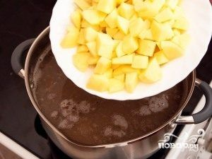 додати картоплю