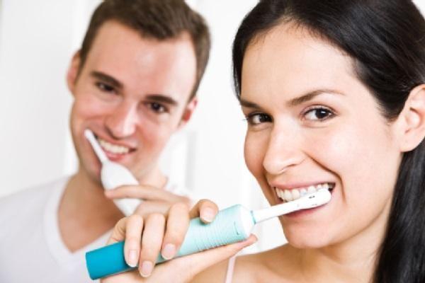 Які звукові зубні щітки кращі?