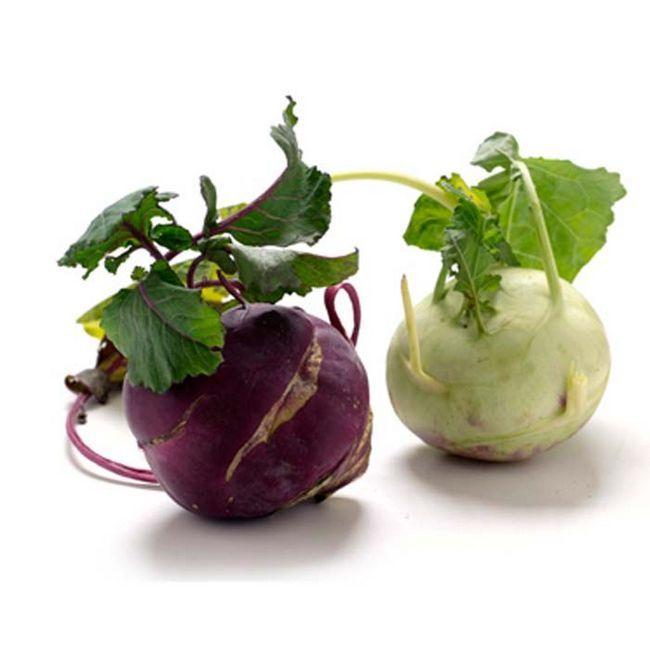 gruner und violetter Kohlrabi