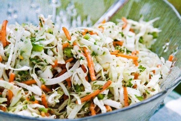 Легкі рецепти недорогих салатів на швидку руку