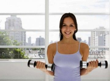 Кращі вправи з простими гантелями для всіх груп м`язів