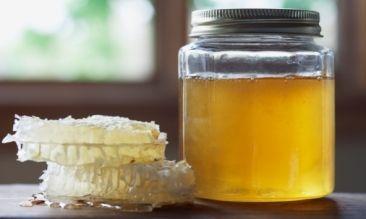 Мед проти целюліту і розтяжок. Як проводити масаж. Скраб для тіла.