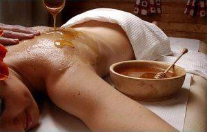 Медовий масаж від целюліту: найсолодший спосіб боротьби з горбками