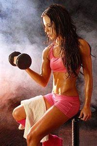 Міфи про жінок і силових тренуваннях