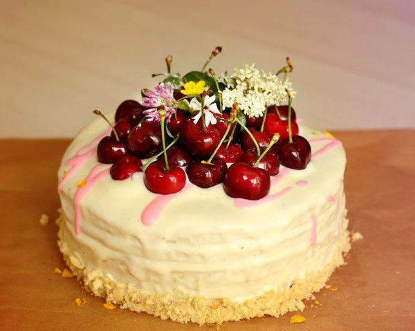 М`який, пишний і ніжний торт сметанник: рецепти з фото