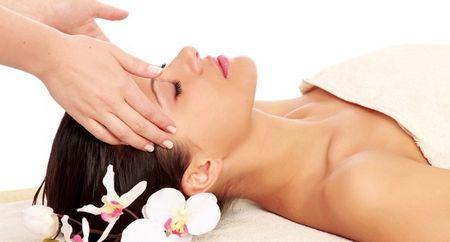 Моделюючий масаж обличчя