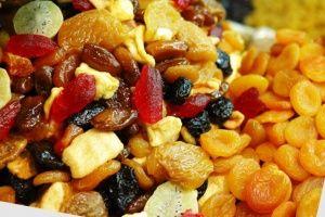 Наскільки зручна сушарка для овочів і фруктів на дачі?