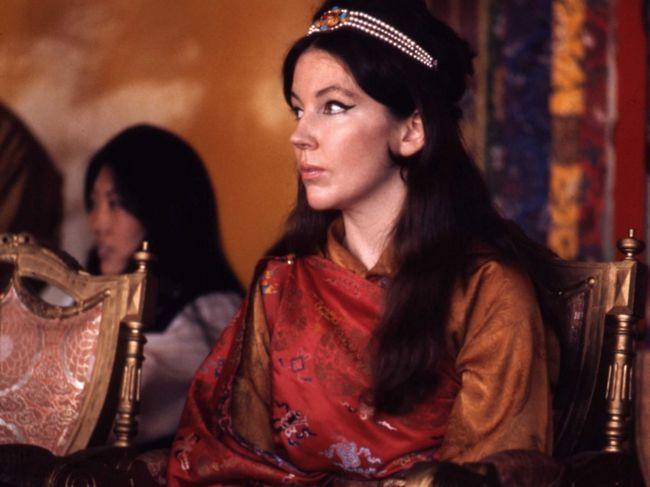 Хоуп Кук стала королевою в Індії