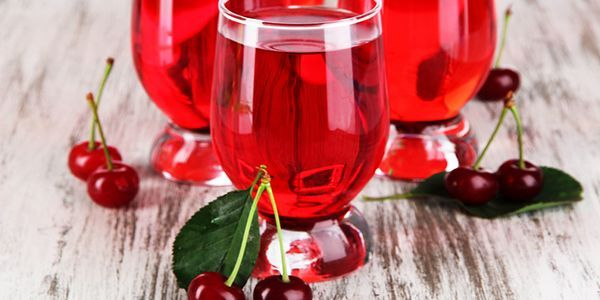 Рецепти вишневих компотів: здоров`я в склянці
