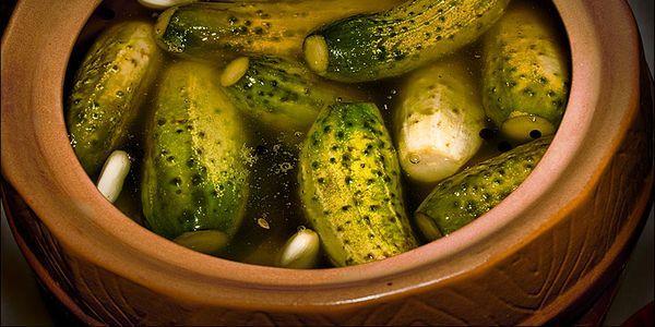 Популярні рецепти засолювання апетитних огірків на зиму