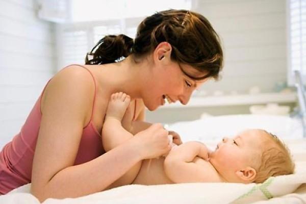 Правильний догляд за немовлям
