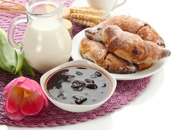 Прості рецепти випічки з дріжджового тіста