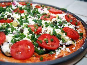 Рецепт і етапи приготування домашньої піци в духовці