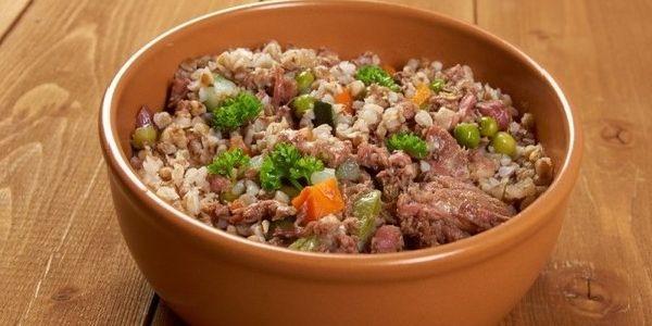 Рецепт приготування корисної гречки з тушонкою в мультиварці