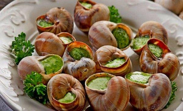 Рецепти приготування виноградних равликів - спокушав рідних делікатесами!