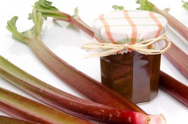 Рецепти смачного і корисного ласощі - варення з ревеню