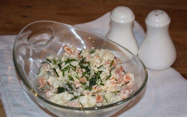 салат з огірками
