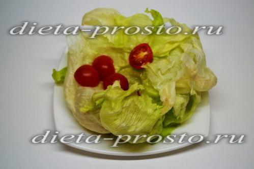 Підготувати салат і помідори
