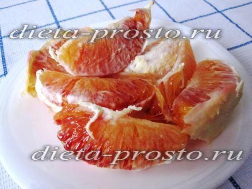 Салат зі шпинатом, апельсином і насінням