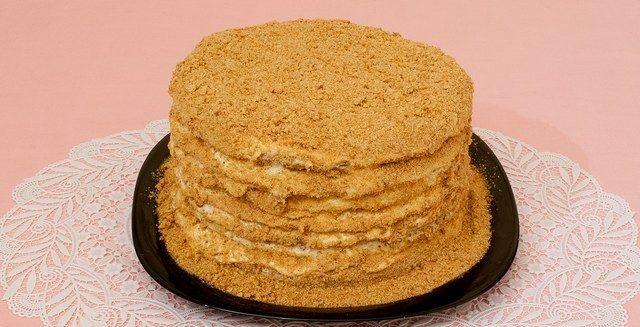 Торт «медовик»: покроковий рецепт для домашнього кулінара