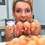 Вчені: щоб скинути зайву вагу, потрібно їсти яйця