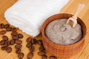 Вчимося використовувати кавовий скраб від целюліту