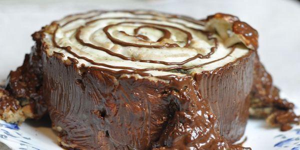 Вдалі рецепти дивного торта «трухлявий пень»