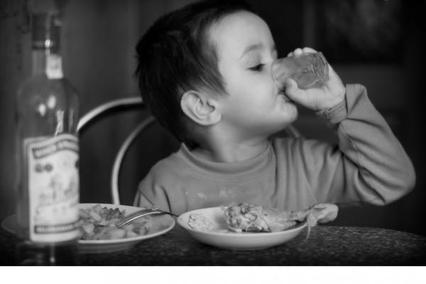 Вживання алкоголю дітьми або підлітковий алкоголізм!