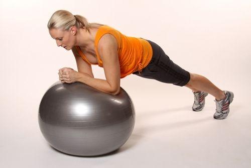 Вправи на фітбол: гімнастика для схуднення